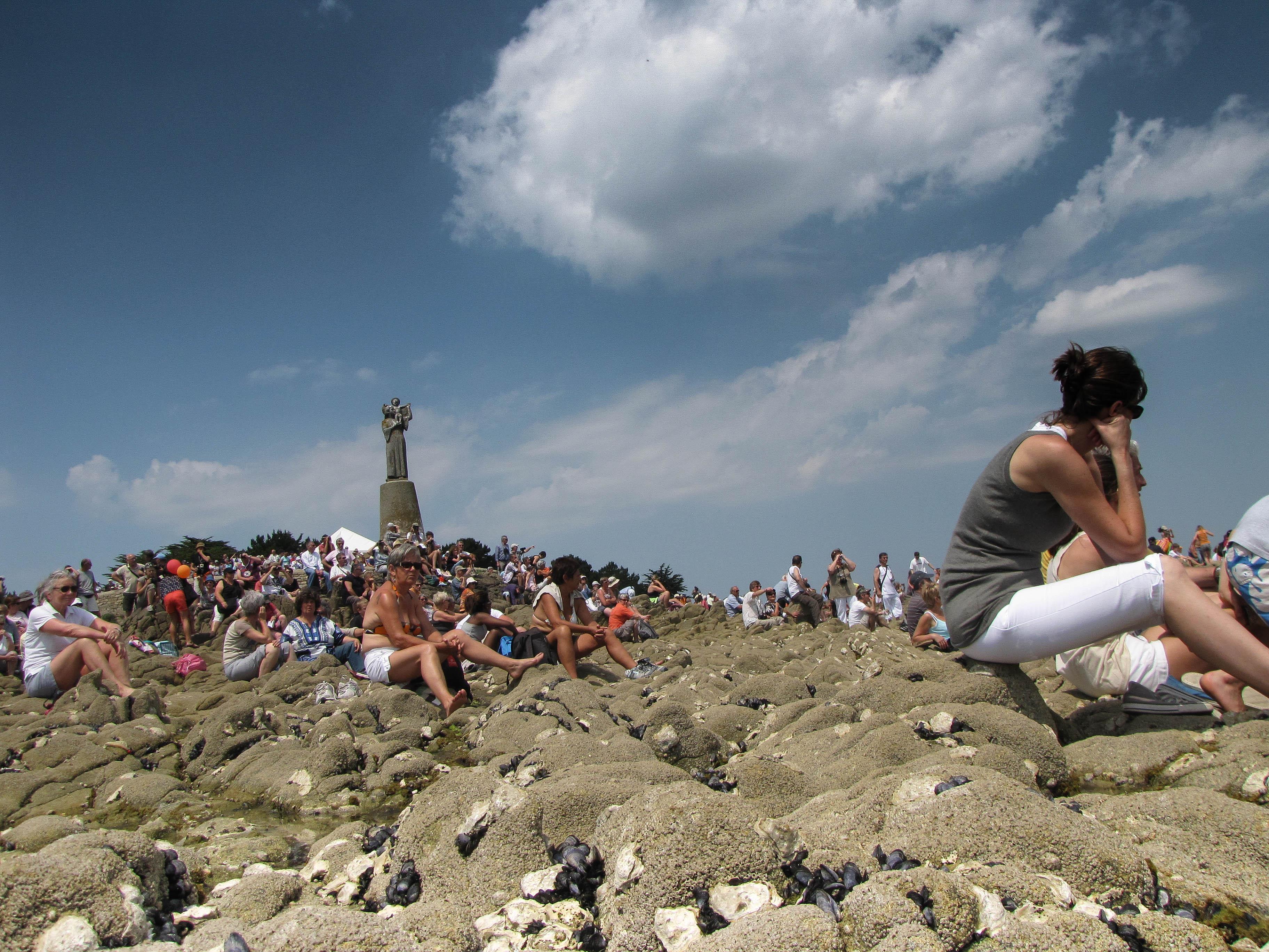 la foule à la Vierge 2, 2 juin 11 (1 sur 1).jpg