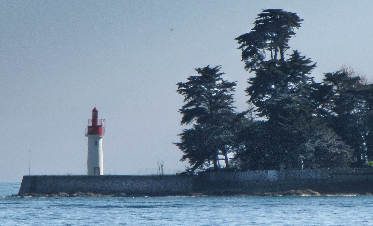 phare loctudy avril 13 (1 sur 1).jpg