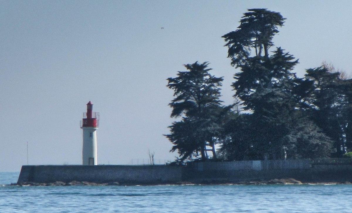 phare loctudy avril 13 (1 sur 1).jpg