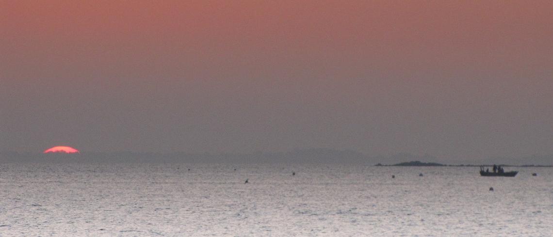 pêcheurs du soir 3, baie de quiberon, 18h34, 16 févr 10 (1 sur 1)