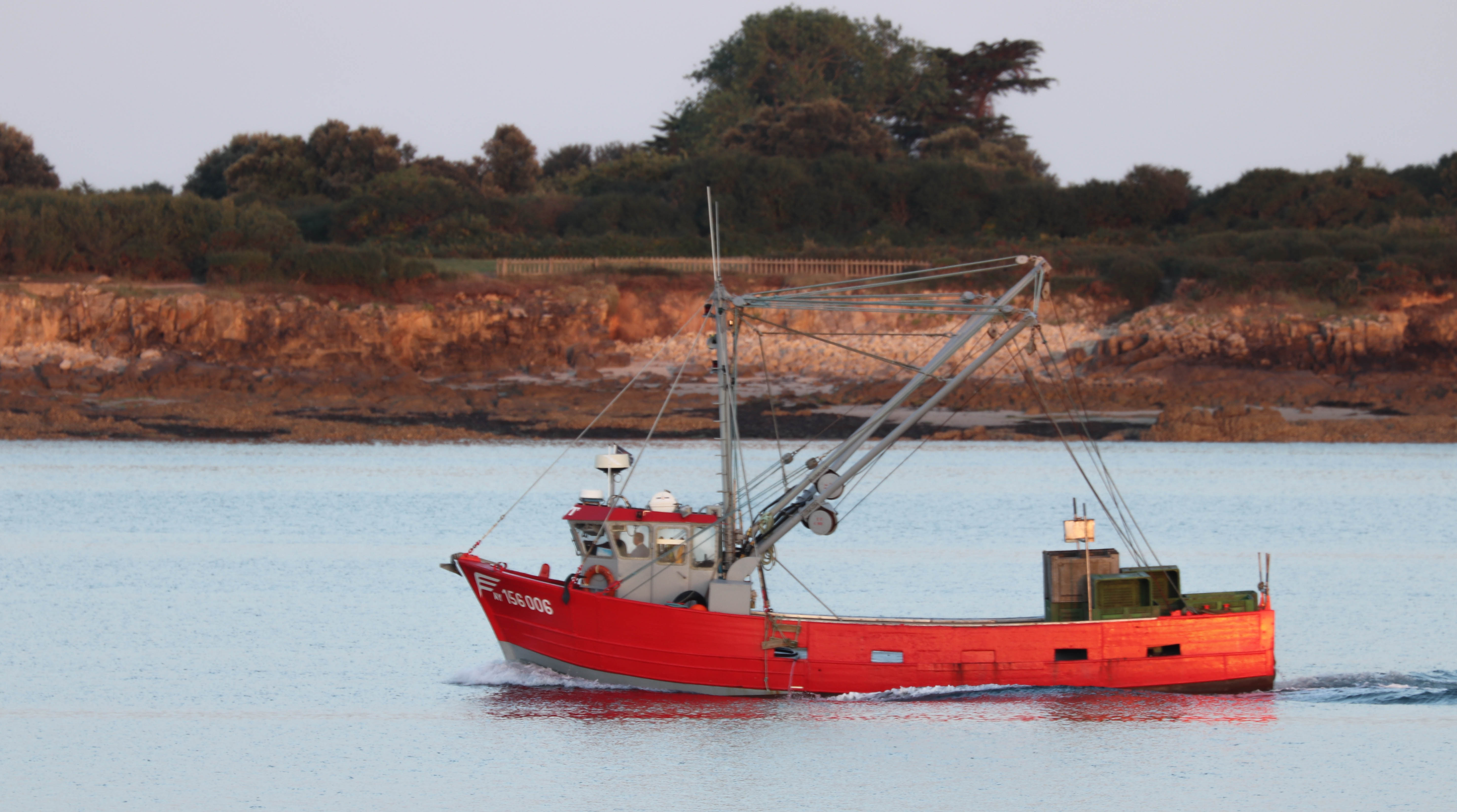 le bateau rouge, la trinité sur mer, 6 août 8,  6h13 (1 sur 1).jpg