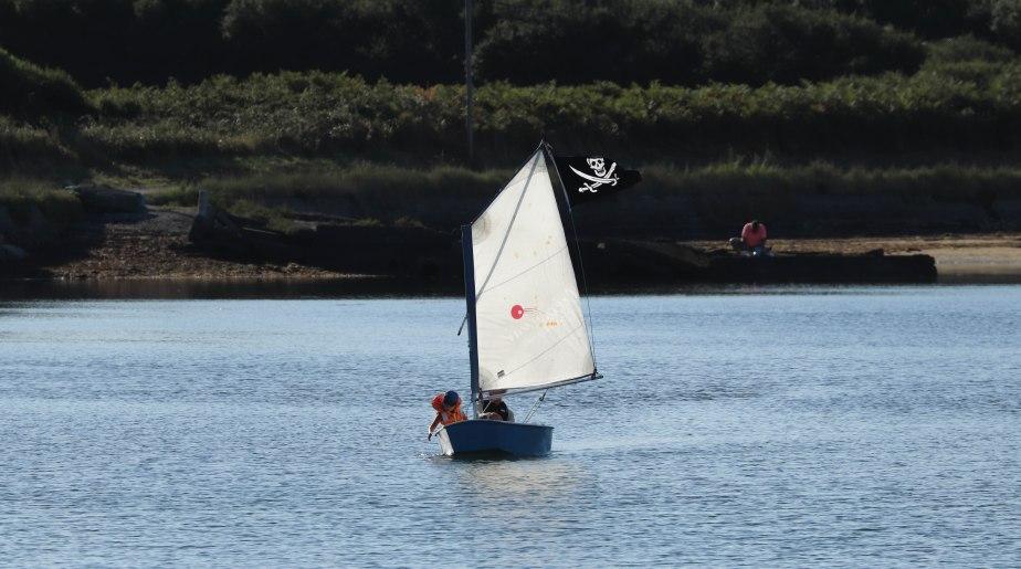 un bateau de pirates dans la baie de la digu, 2 août 18, 8h12 (1 sur 1)