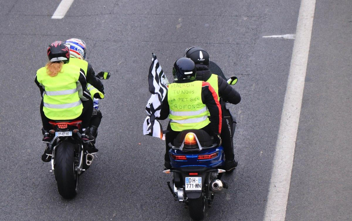 gilets jaunes motards, rennes, 17 nov.18, 12h06 (1 sur 1).jpg