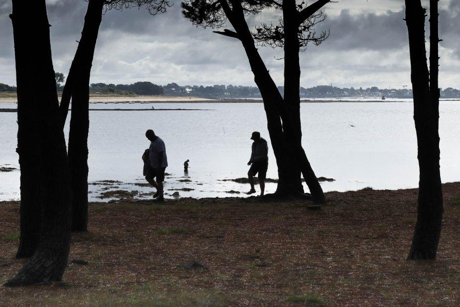 promeneurs & pêcheurs, pointe er hourèl, 13 août 18, 9h47 (1 sur 1)