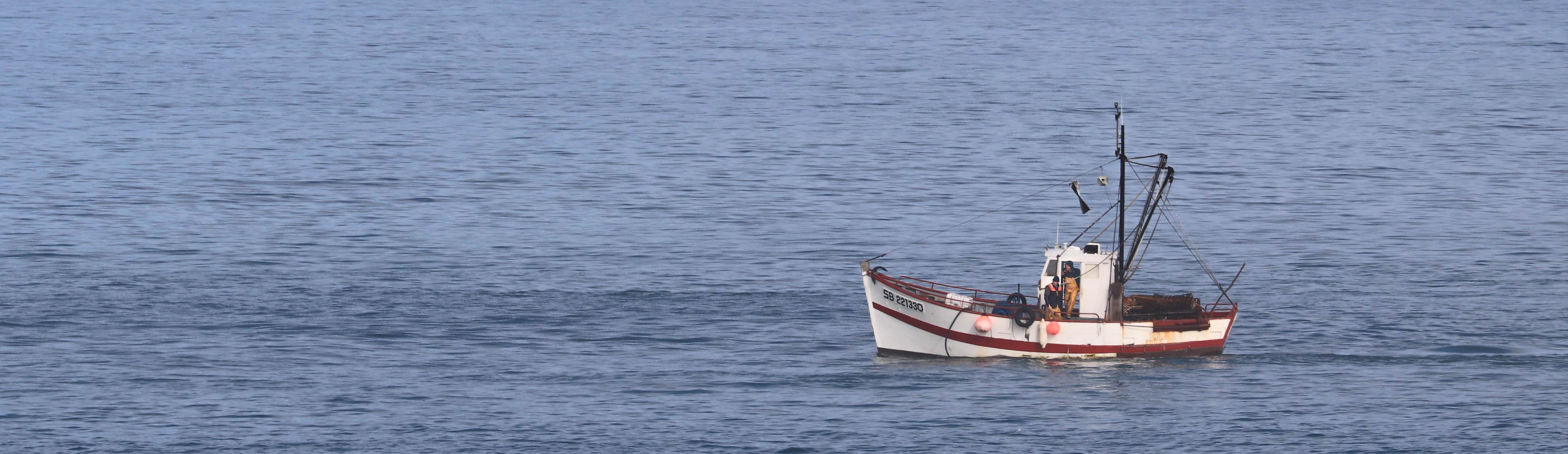 Bateau en pêche, sables d'or, 6 févr 19, 12h40.jpg