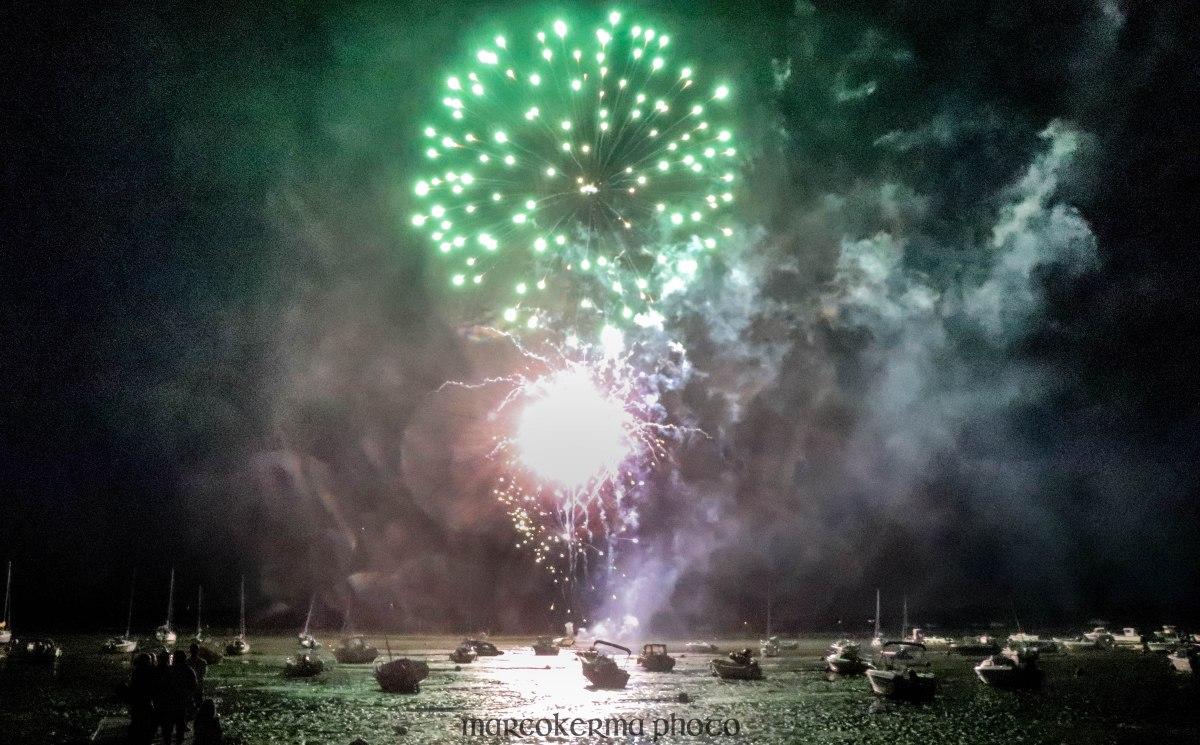 feu d'artifice Locmariaquer, 14 juil.19, 23h28.jpg