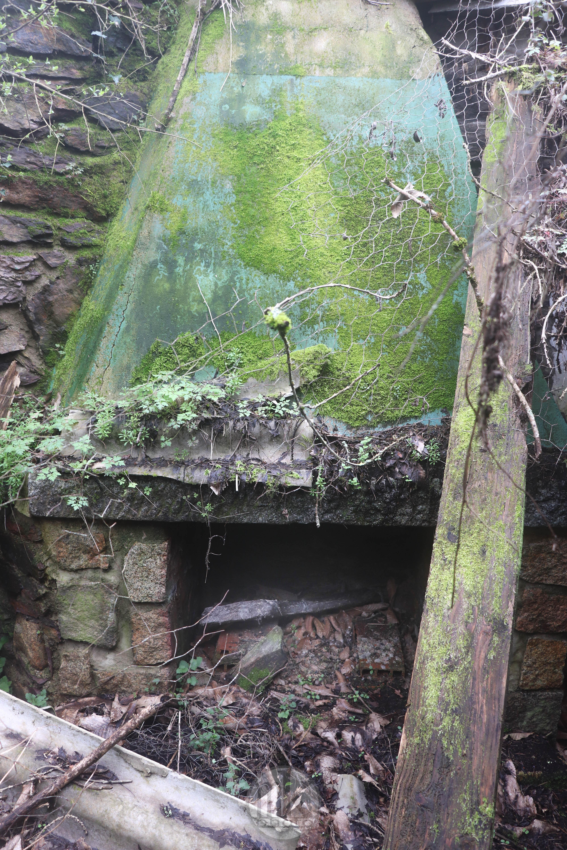 moulin du Boël, vestiges de laa carrière, cheminée, 7 mars 2020, 14h28