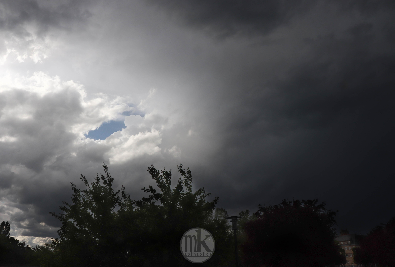 orage, pluie, Rennes, 17 avril 2020, 18h12